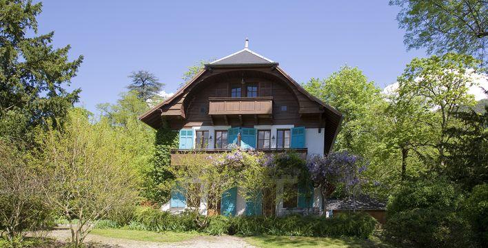 La Maison aux Iris ***